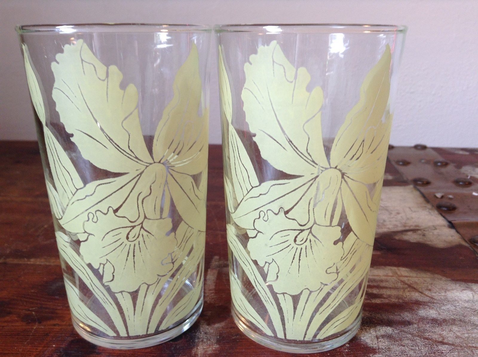 Set of Two Very Nice Clear Glasses IRIS overlay vintage