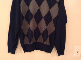 Navy Blue Gray with Classic Diamond Pattern IZOD Long Sleeve Sweater Size Medium image 5