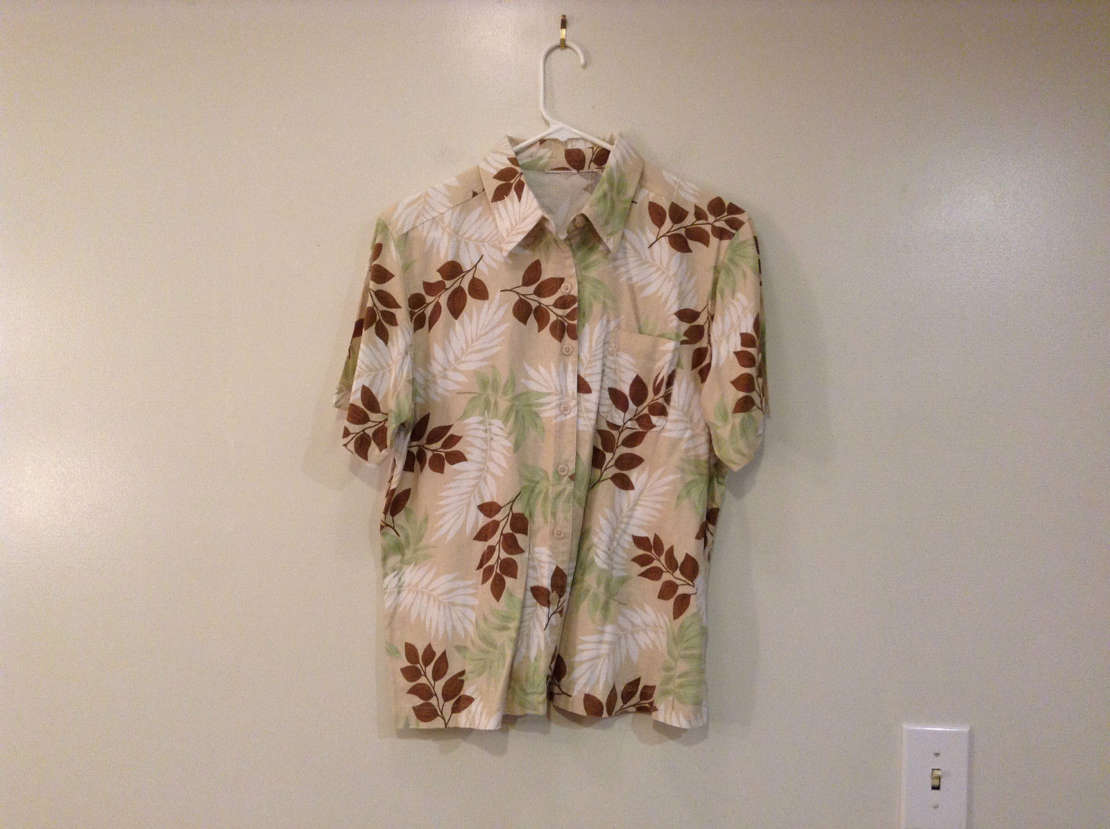 Short Sleeve Summer Palm Leaves Pattern Shirt Button Front Side Slits Size Large