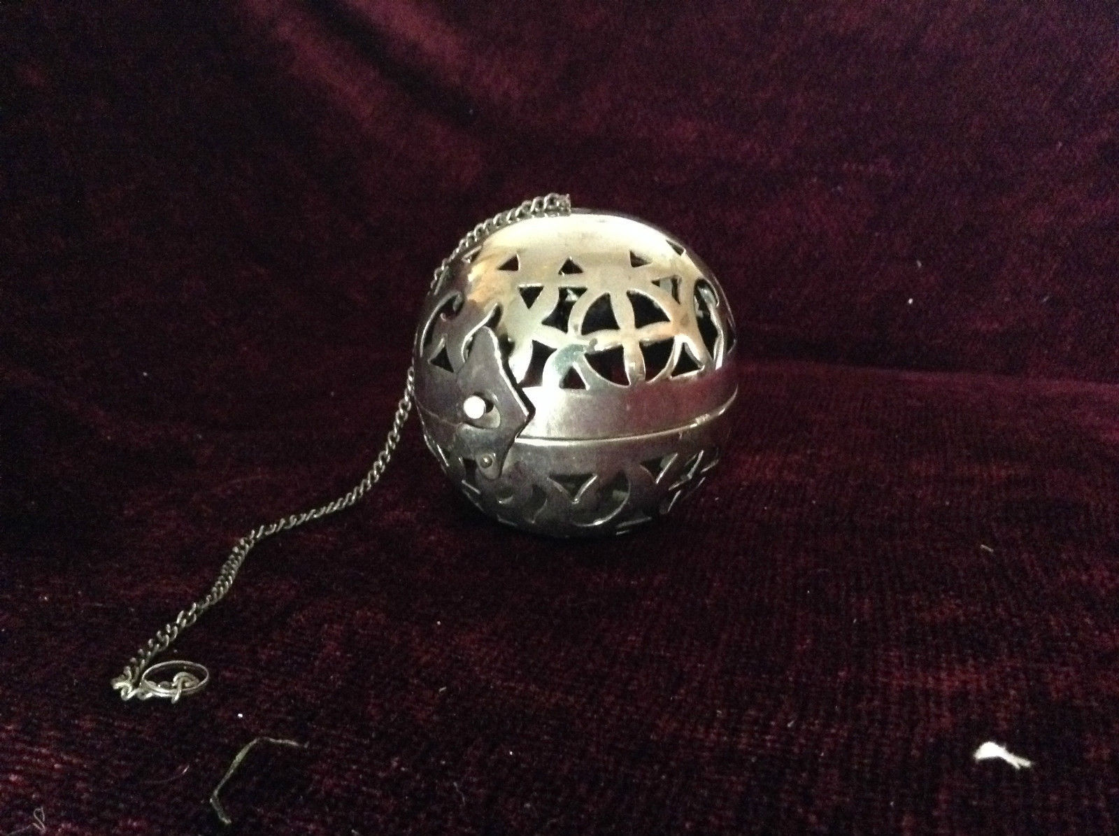 Silver Tone Hanging Ball and Chain Latch Opens Ball