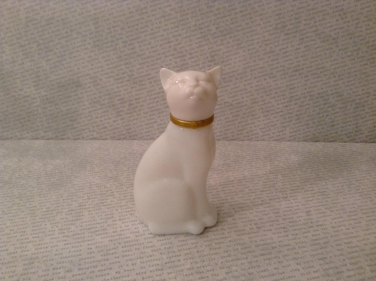 Sitting White Glass Cat Figurine EMPTY Cologne Jar Avon
