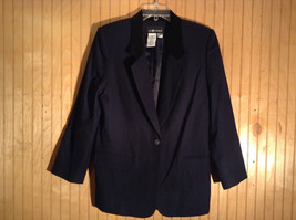 Size 10 Sag Harbor 100 Percent Wool with Polyester Lining Black Blazer