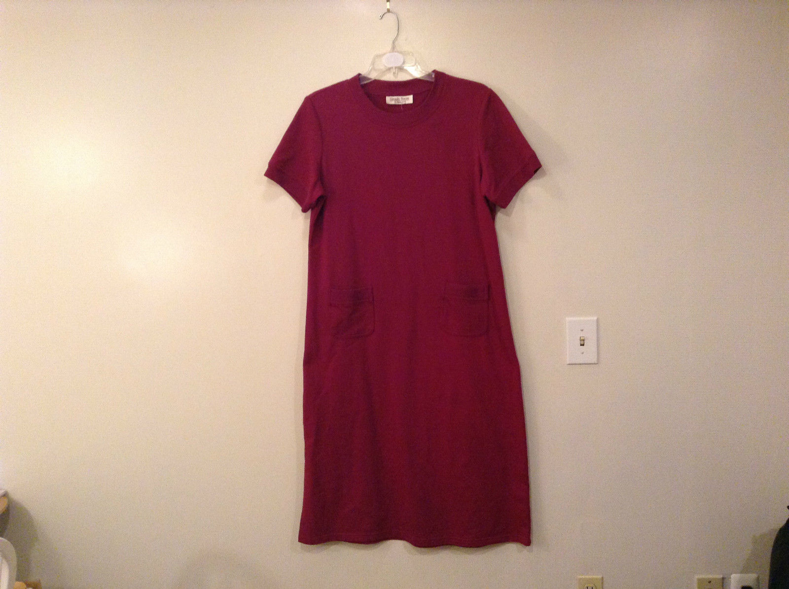 Simply Susan by Susan G Dark Deep Pink Short Sleeves Dress Pockets No Size Tag