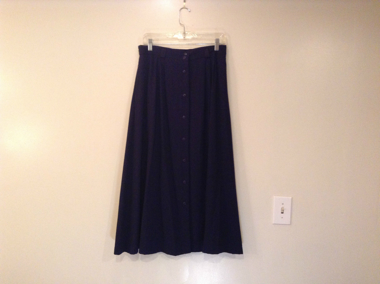 Size 14 Worthington Navy Blue Skirt Front Pleats  Front Button Closure Pockets