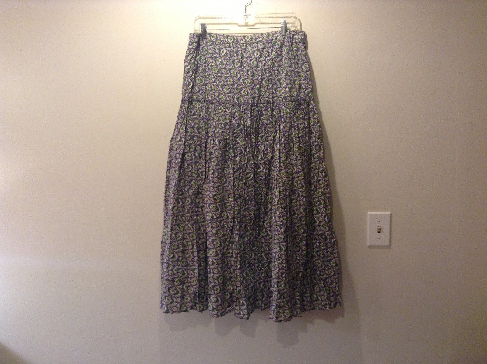 Size 14L Coldwater Creek Purple Green Floral Pattern Free Flowing Skirt