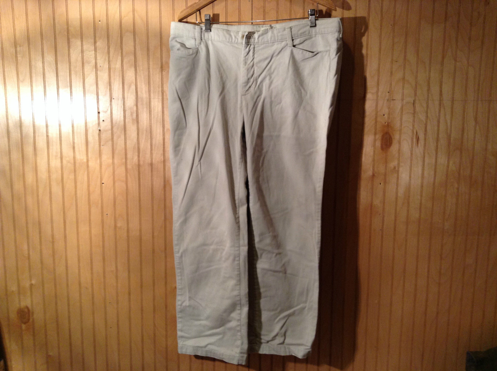 Size 18 Riders Khakis Casual Pants Front and Back Pockets Zipper Button Closure