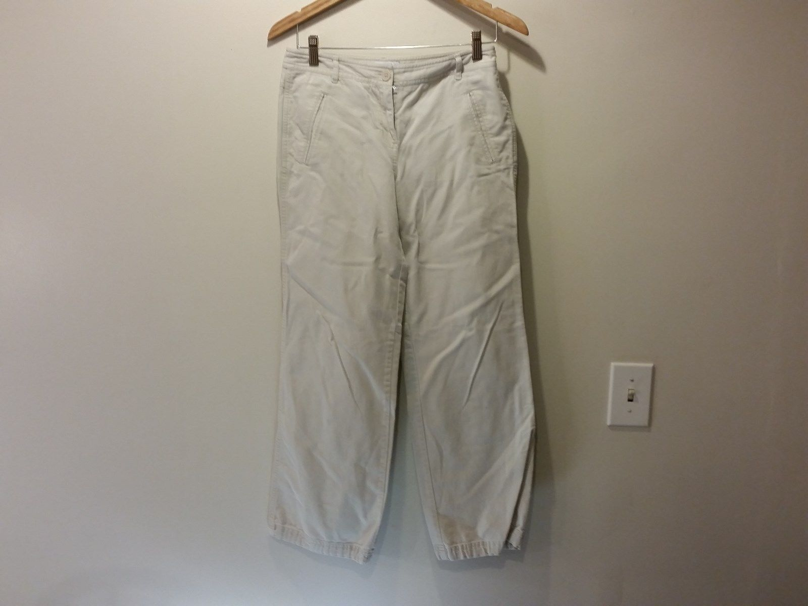 Size 2 Ann Taylor Loft 100 Percent Cotton White Casual Pants Great Condition