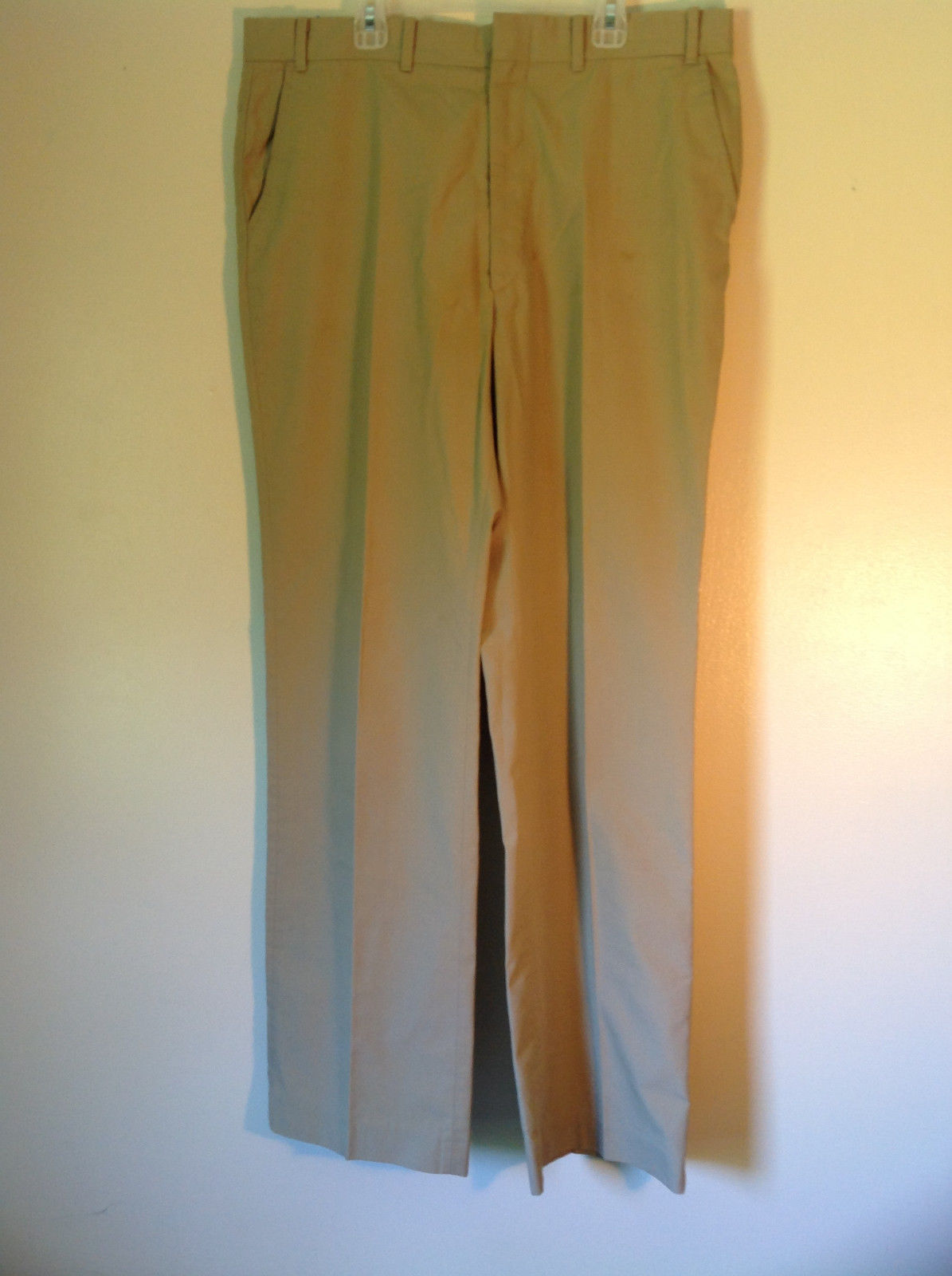 Size 36 Lands End Tan Dress Pants Clasp Zipper Closure Front and Back Pockets