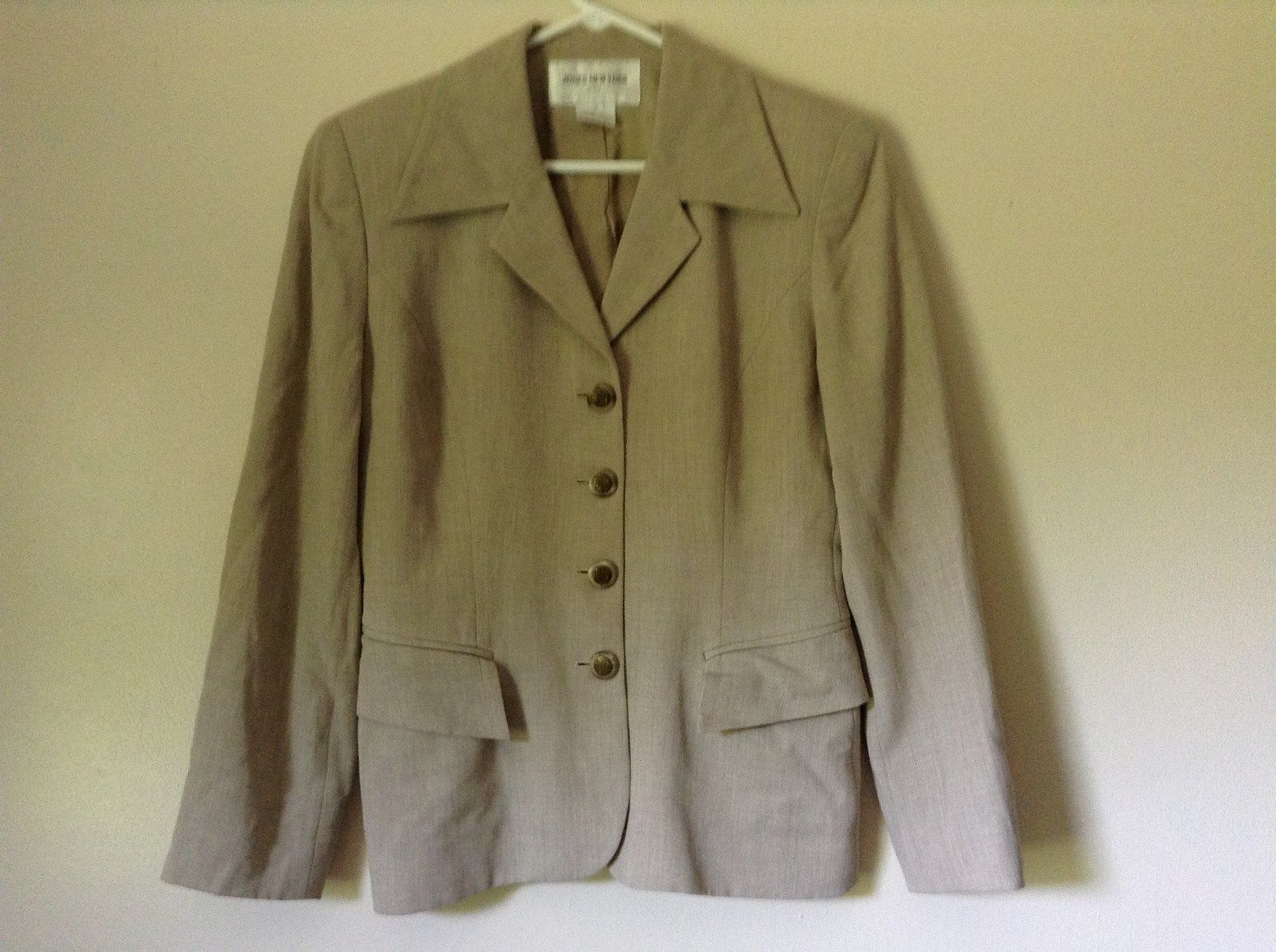 Size 4 Suit Jacket Blazer Jones New York Fancy Buttons Shoulder Pads Long Sleeve