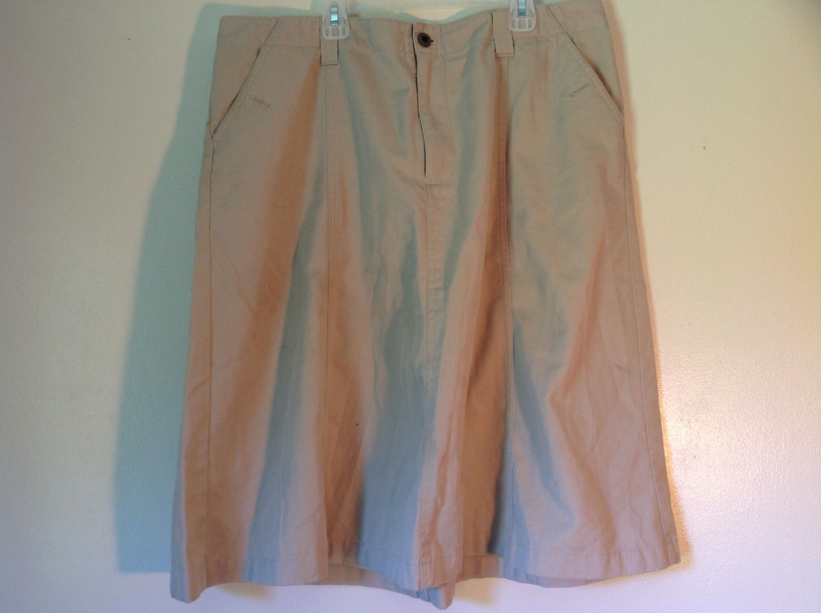 Size 18 White Stag Khaki Colored Skirt 60 Percent Cotton 40 Percent Polyester