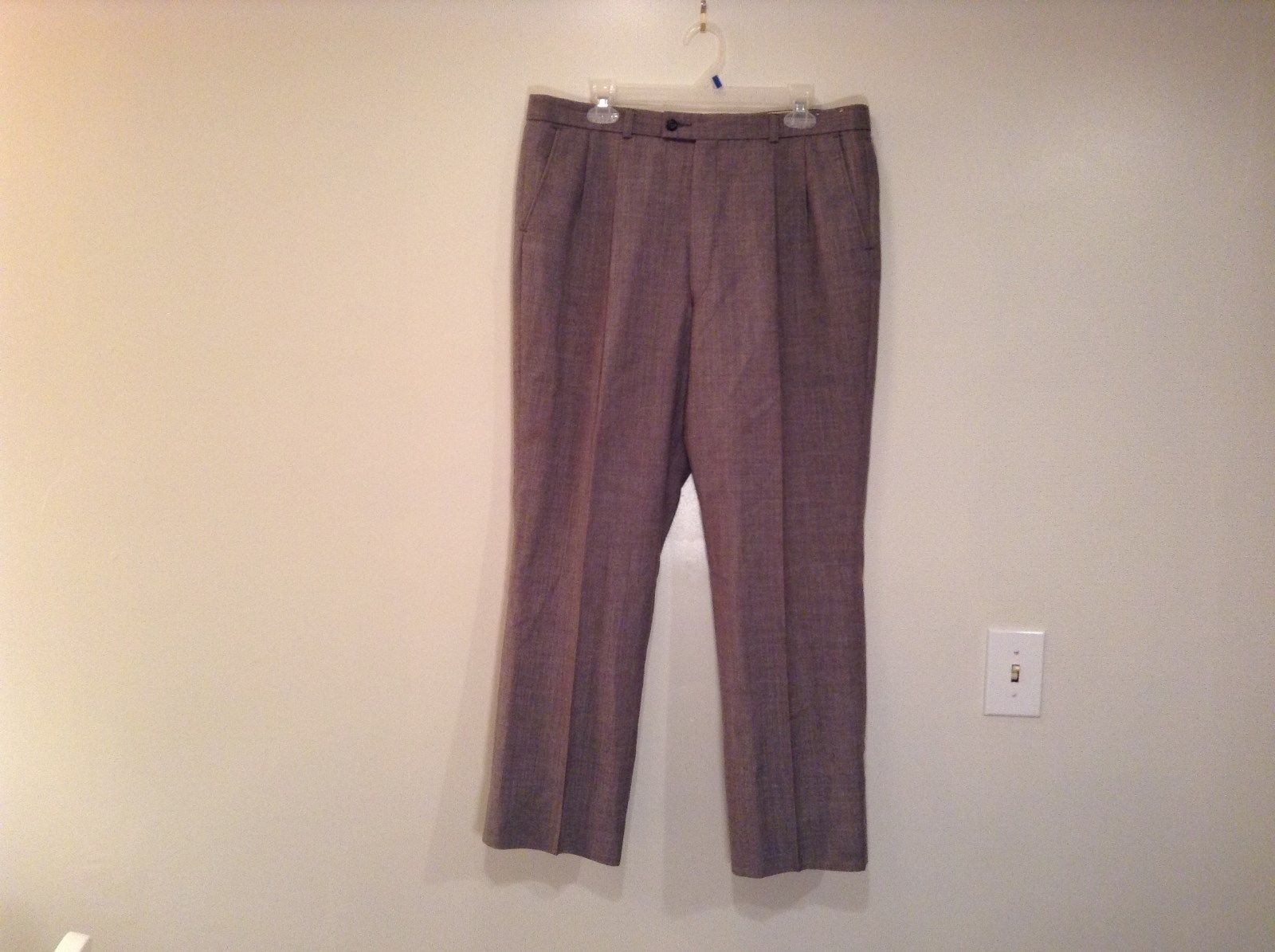 Size 42 Short Gray Pleated Front Dress Pants 100 Percent Wool No Tags