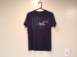 Size M 100 Percent Cotton Dark Blue Graphic Short Sleeve T Shirt by Hollister