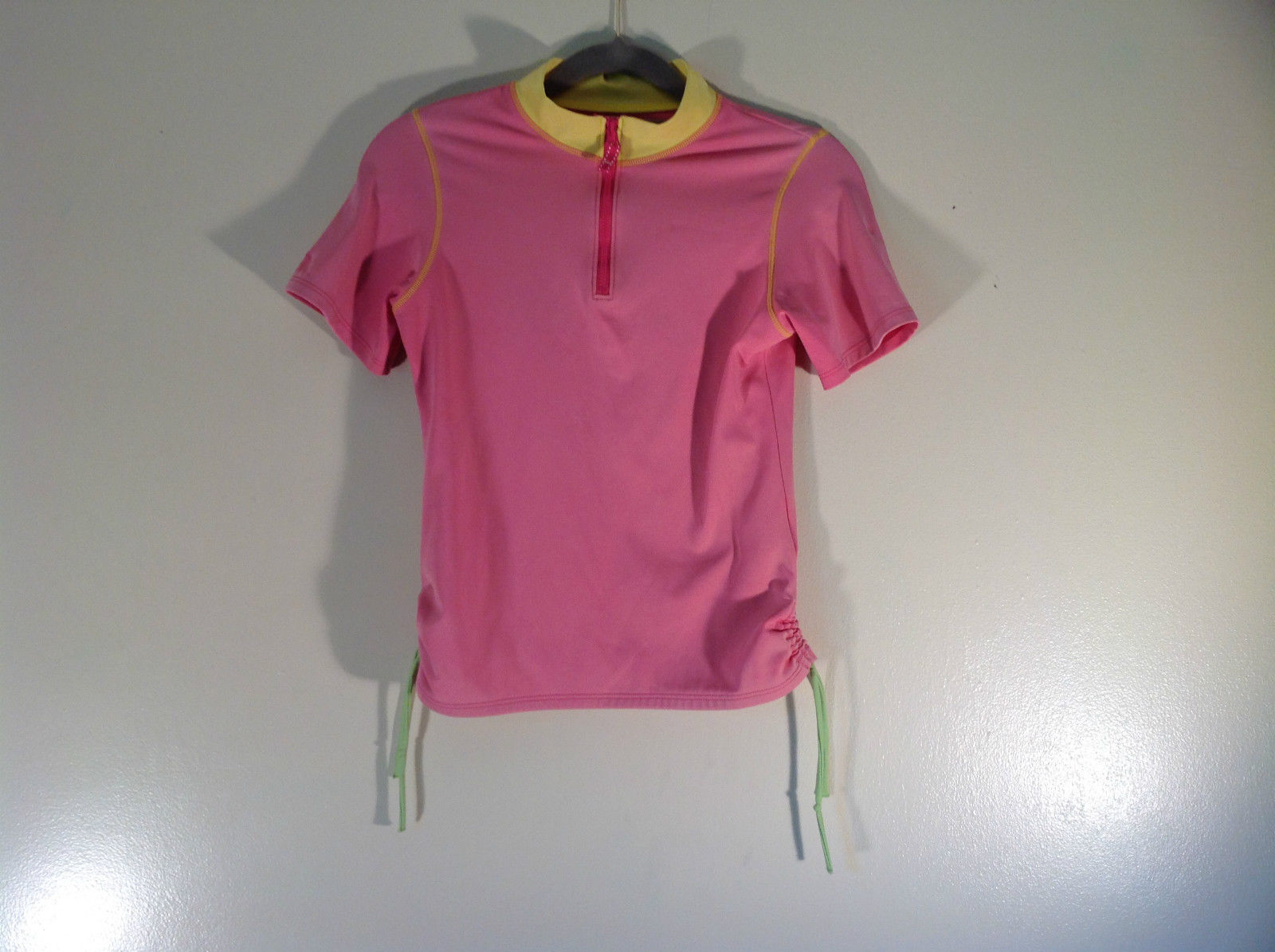 Size Medium 10 to 12 Lands End Pink Stretchy Short Sleeve Top Good Condition