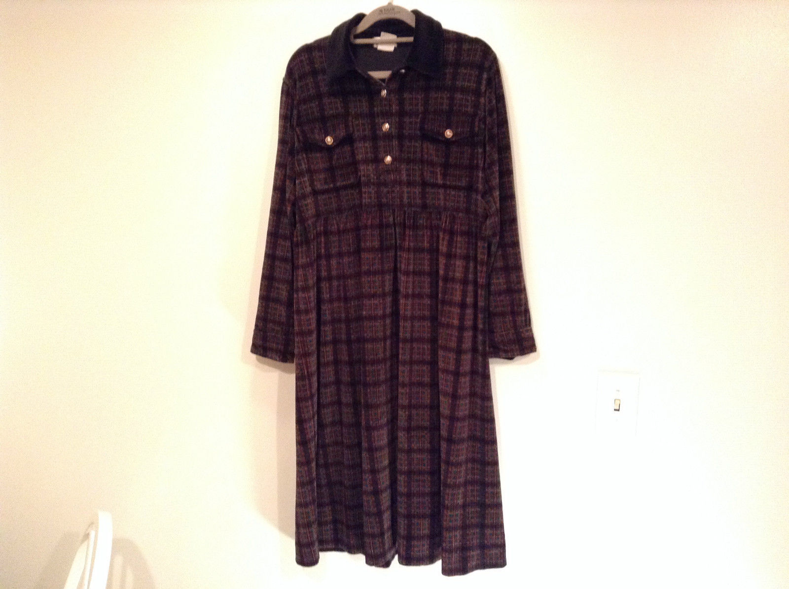 Size M Red Black Green Plaid Long Sleeve Dress Jones New York Metal Buttons