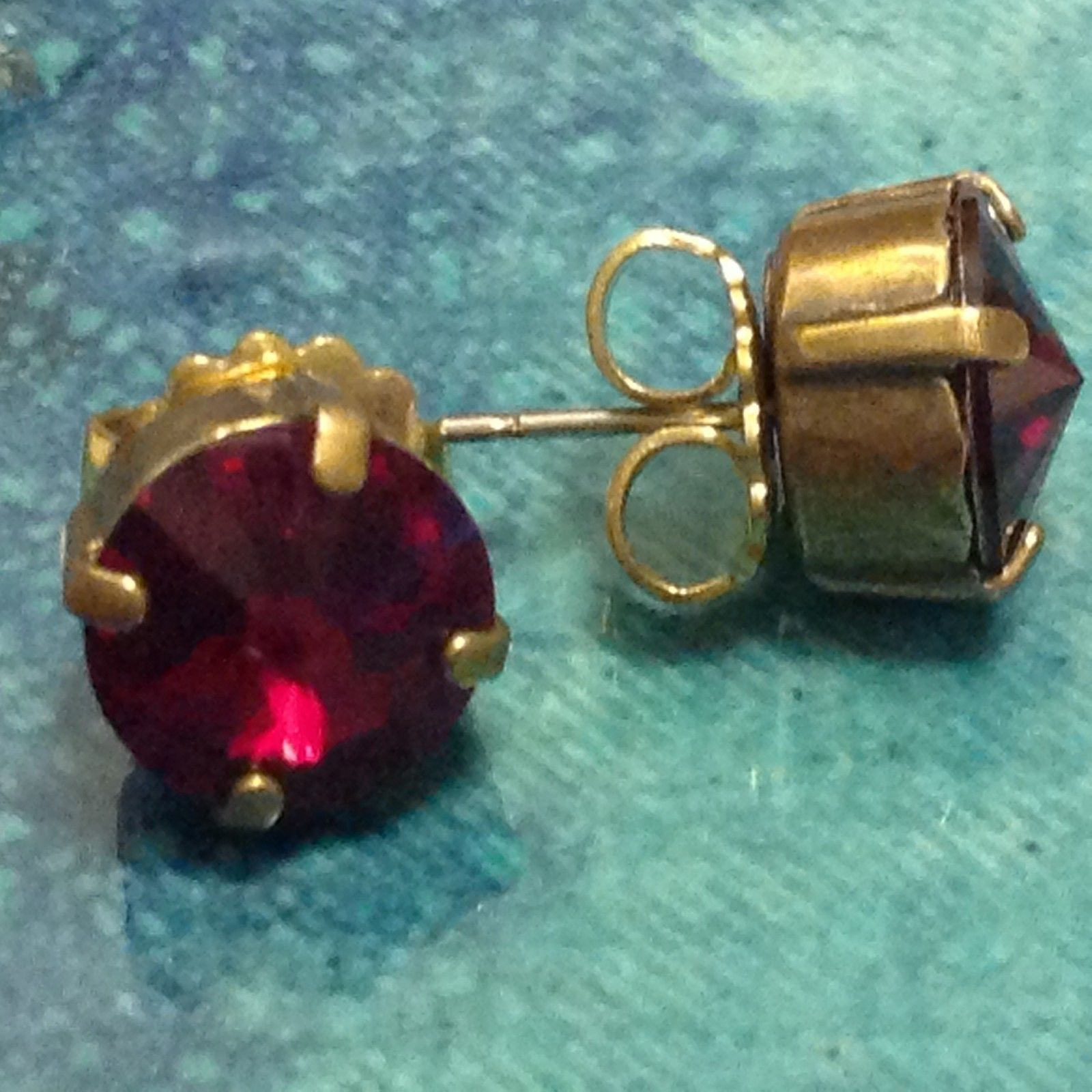 Sorrelli Crystal Red Ruby Authentic Antique Earrings Stud post Swarovski