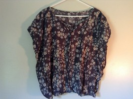 Sonoma Gray Sleeveless Shirt with Flowers Size Large