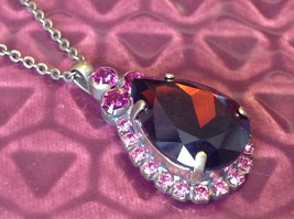 Sorrelli pear shaped single pendant on chain necklace w dark red pink crystals
