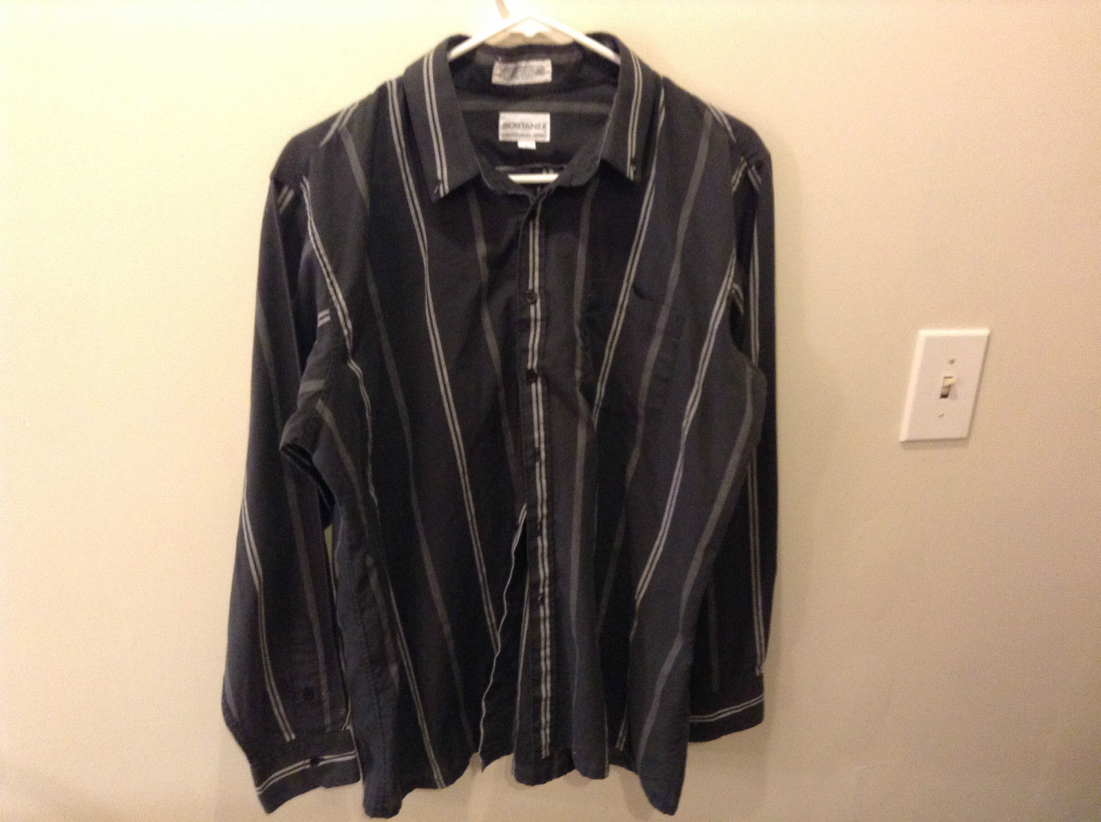 Sostanza Long Sleeve Button Up Dress Shirt Gray with White Stripes Size Large