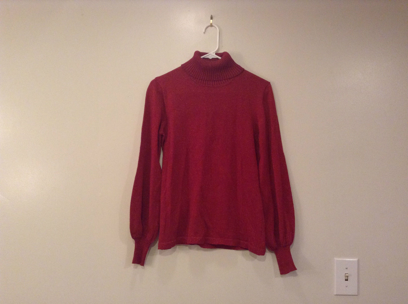 Spiegel Red Turtleneck Top Size Medium Red Metallic Yarn Excellent Condition