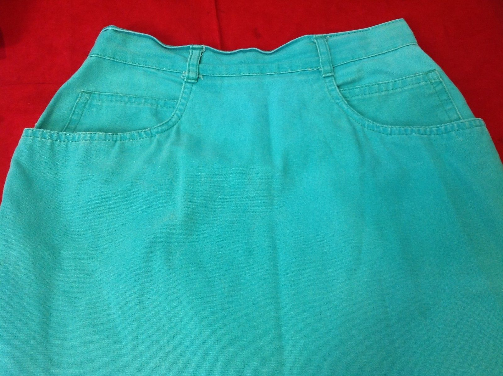 Spirit  Women's  Skirt size small turquoise