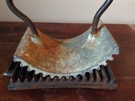 Antique Deaccessioned Cast Iron Geneva Hand Fluter with Base image 2