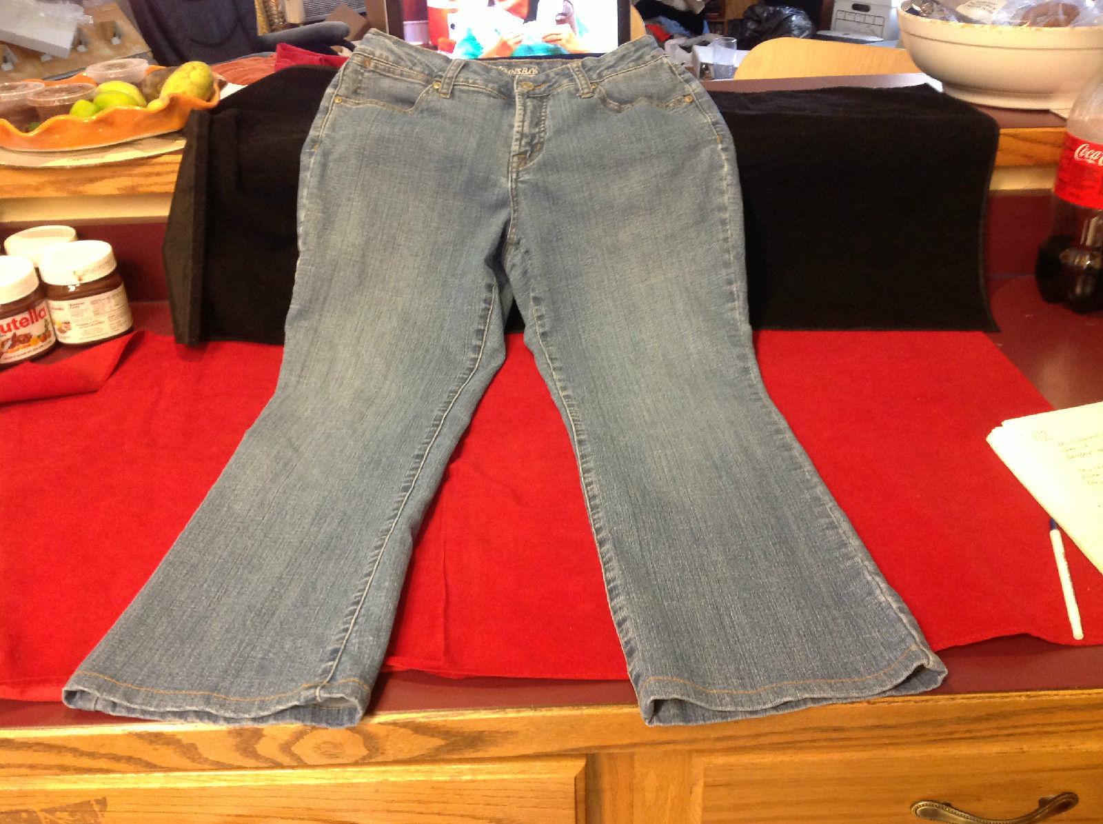 St. John's Bay Ladies Light Denim Jeans Size 8