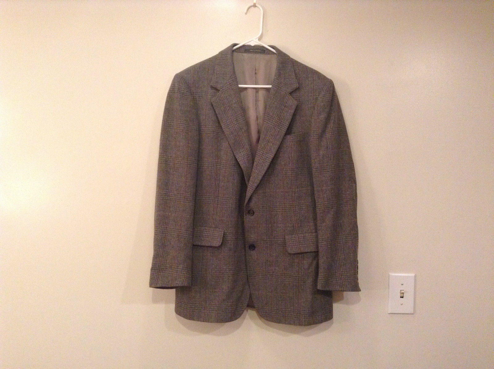 Stackpole Moore Tryon Gray with Plaid Pattern Suit Jacket Sport Coat No Size Tag