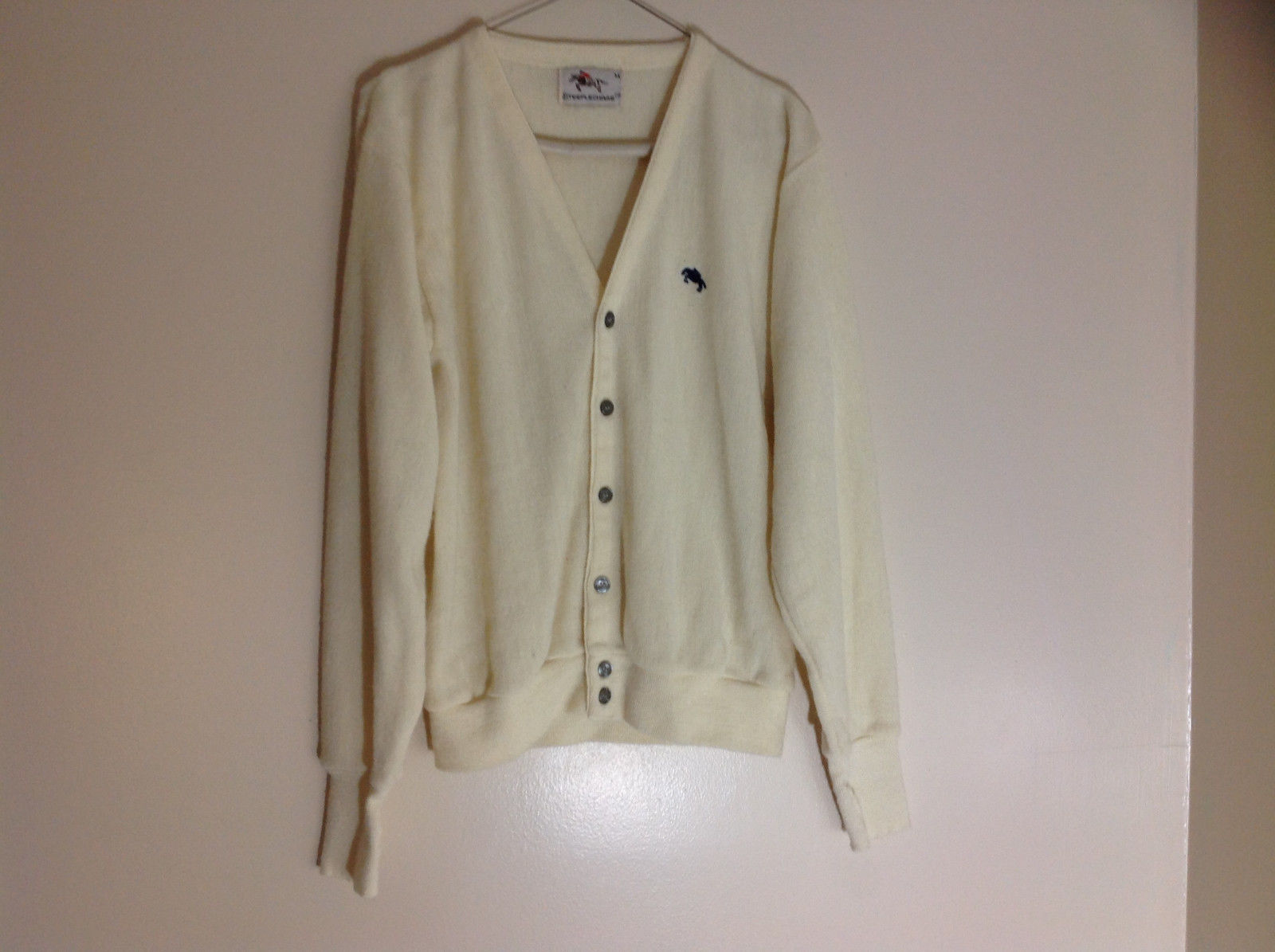 Steeplechase Pale Yellow  Button Up V-Neck Sweater Size Medium