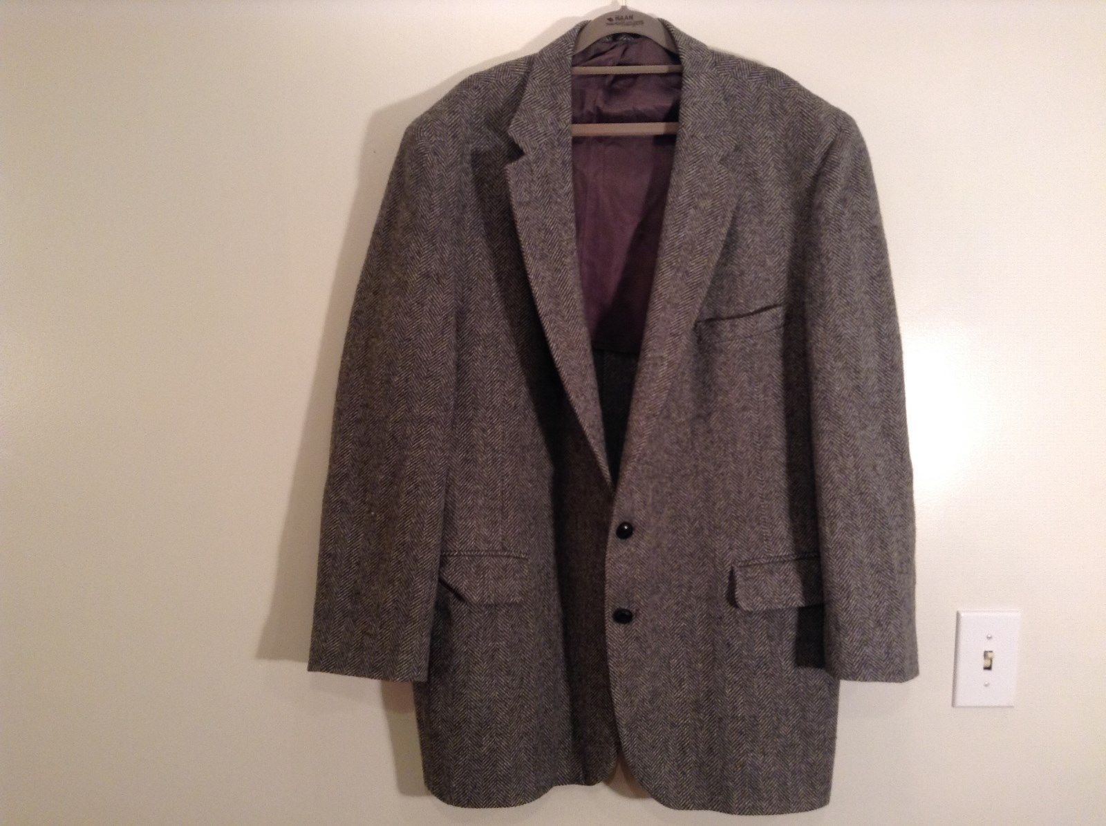 Stafford Wool Blazer Suit Coat 2 Outside Pockets 2 Inside Pockets High Quality