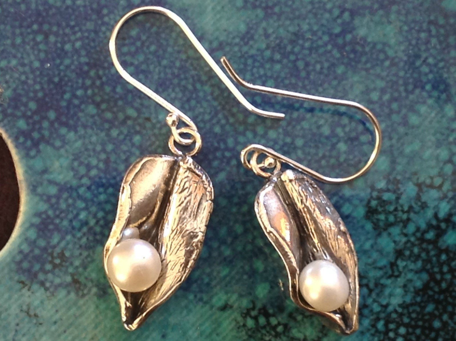 Sterling Silver Leaf Like Nature Inspired Shiny Pearl Drop Pierced Earrings