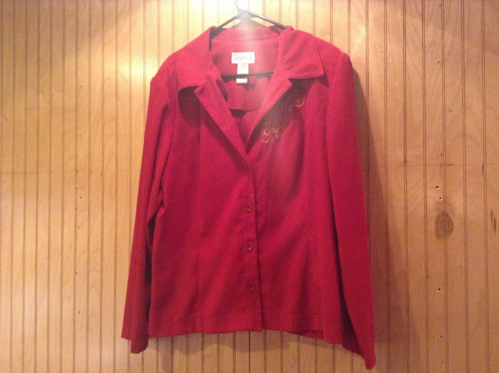Studio 1 Red Long Sleeve Blazer Shoulder Pads Black and Gold Design Size 18