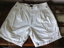 Structure White Shorts 100 Percent Cotton Size 36 Zipper and Button Closure