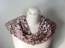 Pretty Faux Fur Cheetah Infinity Scarf See Measurements Below image 3