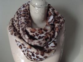 Pretty Faux Fur Cheetah Infinity Scarf See Measurements Below image 5