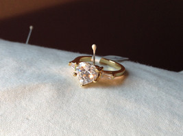 Stunning Heart Shaped CZ w 2 side CZ baguettes Gold Plated Ring Size 6
