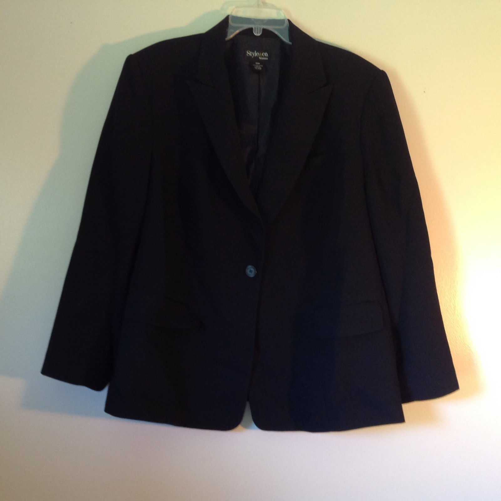 Style and Company Black Blazer Jacket Shoulder Pads 1 Button Closure Size 20W