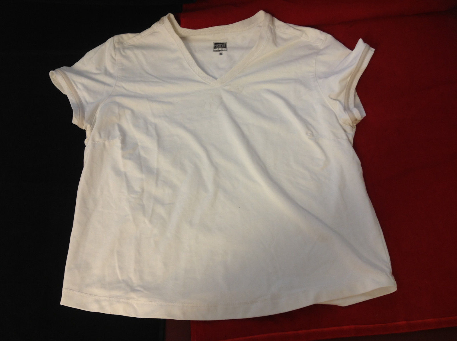 Tail Tech Brand Womens White Athletic Workout Sport T Shirt Top size Small S