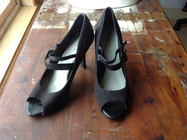 Tahari Black Open Toed Double Strapped Heels Three and a Half Inch Heel Size 8