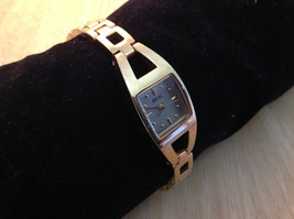 Relic Square Face Stainless Steel Gold Tone Clasp Closure Adjustable Wristwatch image 2