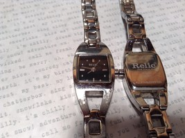 Relic ZR 33503 Wristwatch Two Available One has 12 Links One has 14 Links image 3