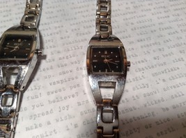 Relic ZR 33503 Wristwatch Two Available One has 12 Links One has 14 Links image 5