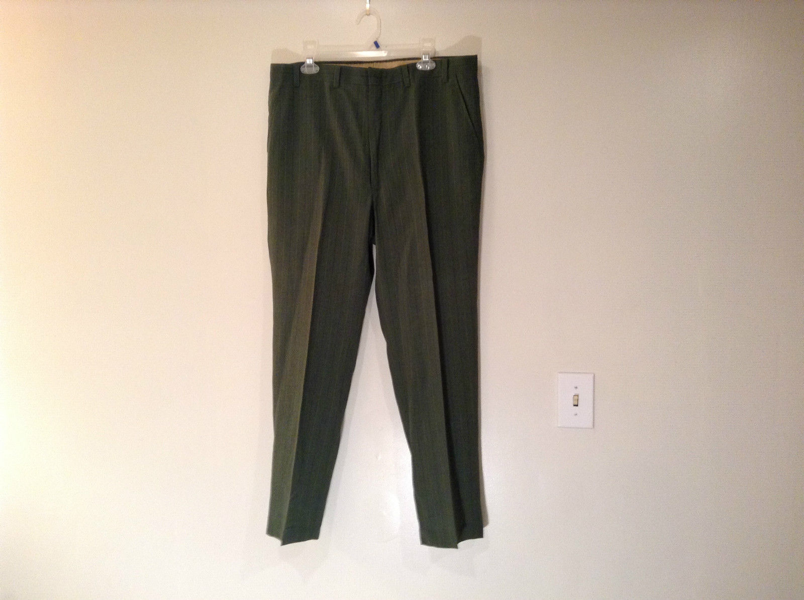 Talon Pleated Front Dark Green Unlined Dress Pants Excellent Condition No Tag