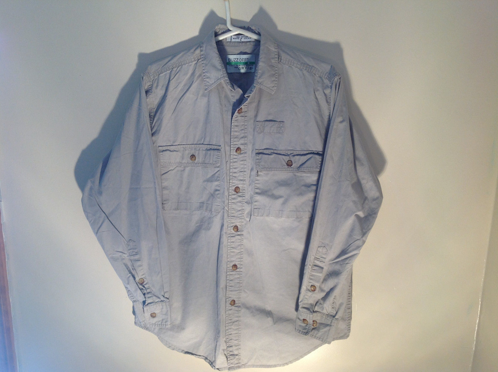 Tan Button Up BUZZ OFF Collared Casual Shirt 2 Front Pockets Size Small