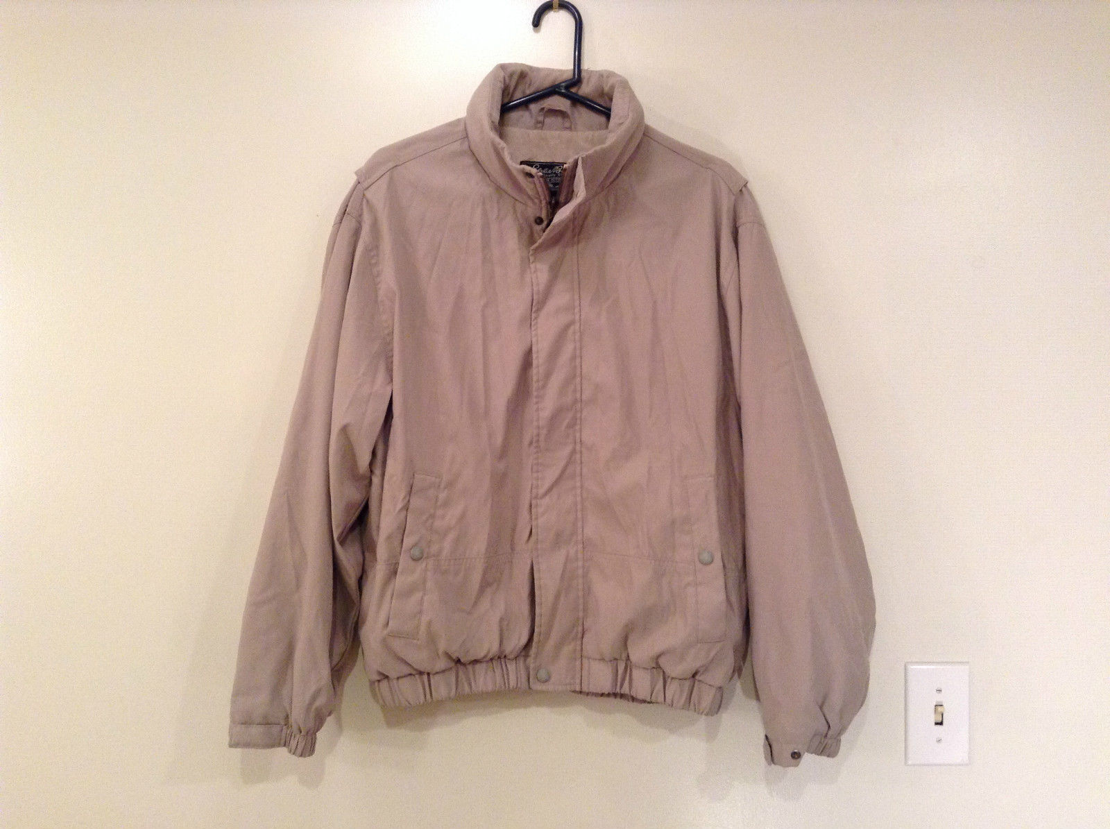 Tan Eddie Bauer Lined Jacket 2 Front Pockets 1 Inside Pocket Zip Closure Size M