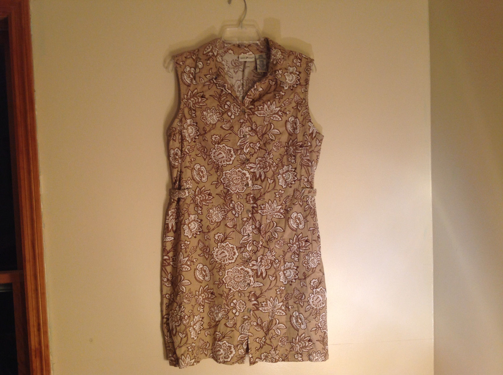 Tan Paisley Flower Design Sleeveless Dress White Stag Made in Bangladesh Size L