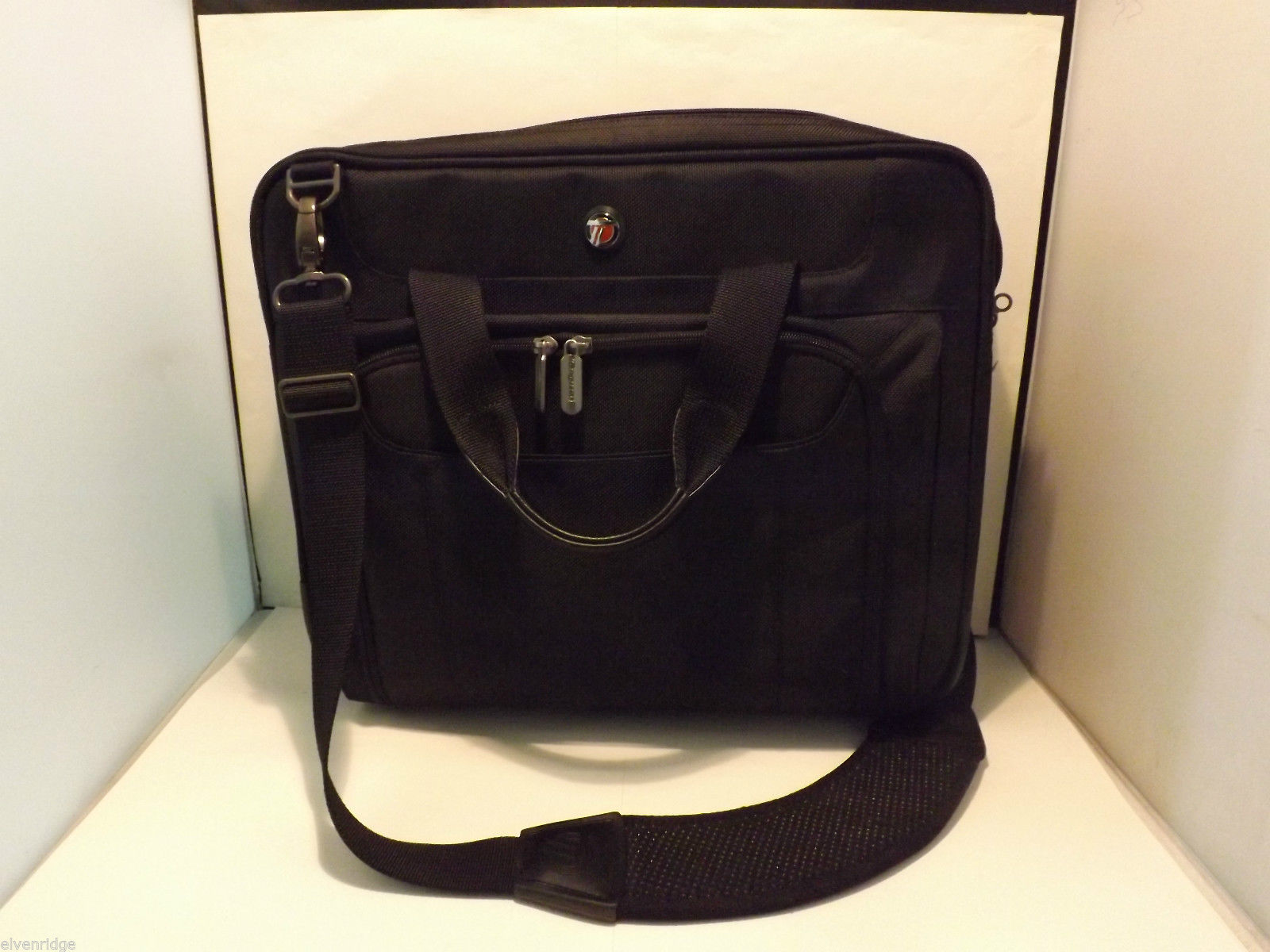 Targus Black Canvas Case Laptop Bag with Shoulder Strap