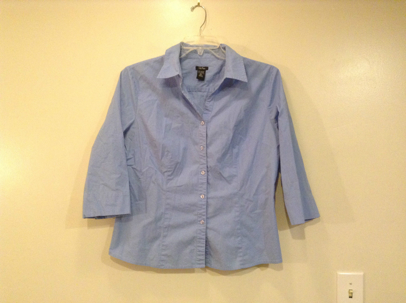 Taylor Marco Blue V Neck Front Buttons Shirt Slits on Sleeves Size XL