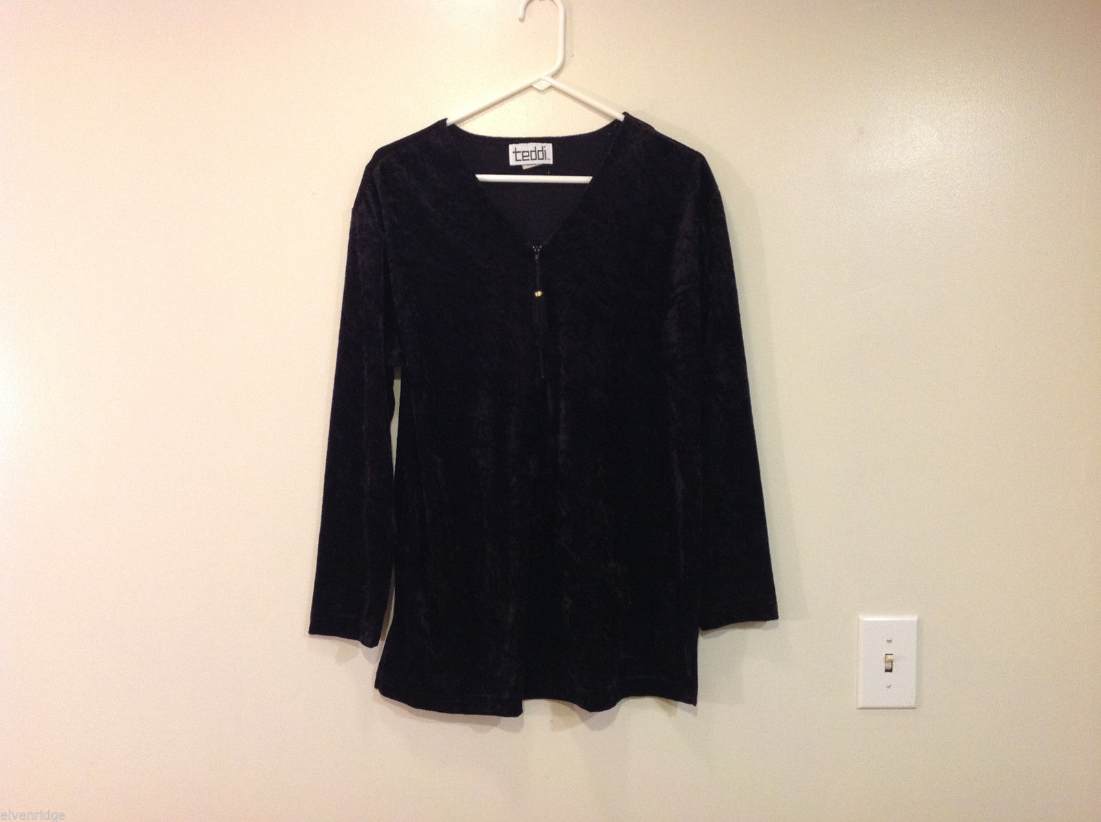 Teddi Black Velvet Ladies Long Sleeve Top Blouse V-Neck Front Zipper, Size M
