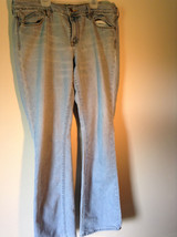 The Flirt Light Colored Jeans Front and Back Pockets  Size 14 Long