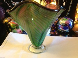 Art Vase Blown Glass Two tone green and pink fern swirl made in USA image 4